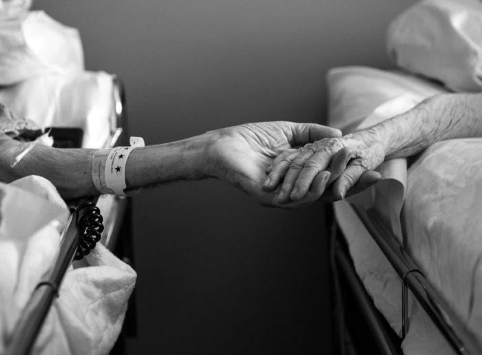 Conmovedora Historia De Amor Dos Ancianos Murieron Tomados De La