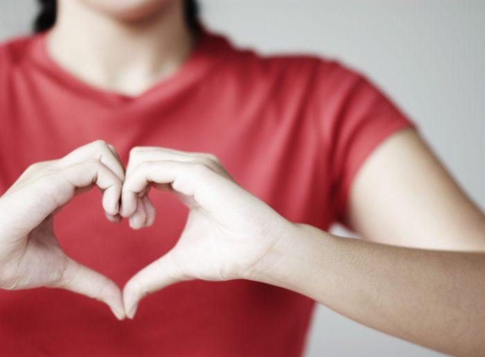Mueren 8 veces más mujeres por enfermedades cardiovasculares que por cáncer  de mama - TVSana