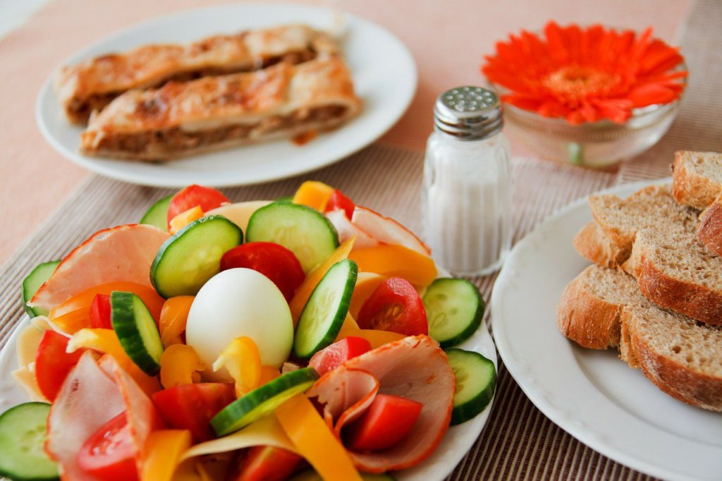 ejemplo menú dieta baja en carbohidratos
